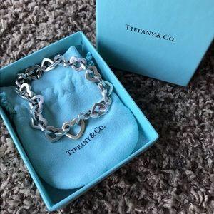 Tiffany & Co. heart kink bracelet
